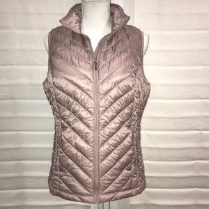 💟Blush Lt weight Puffed Vest w/Pouch to put in.